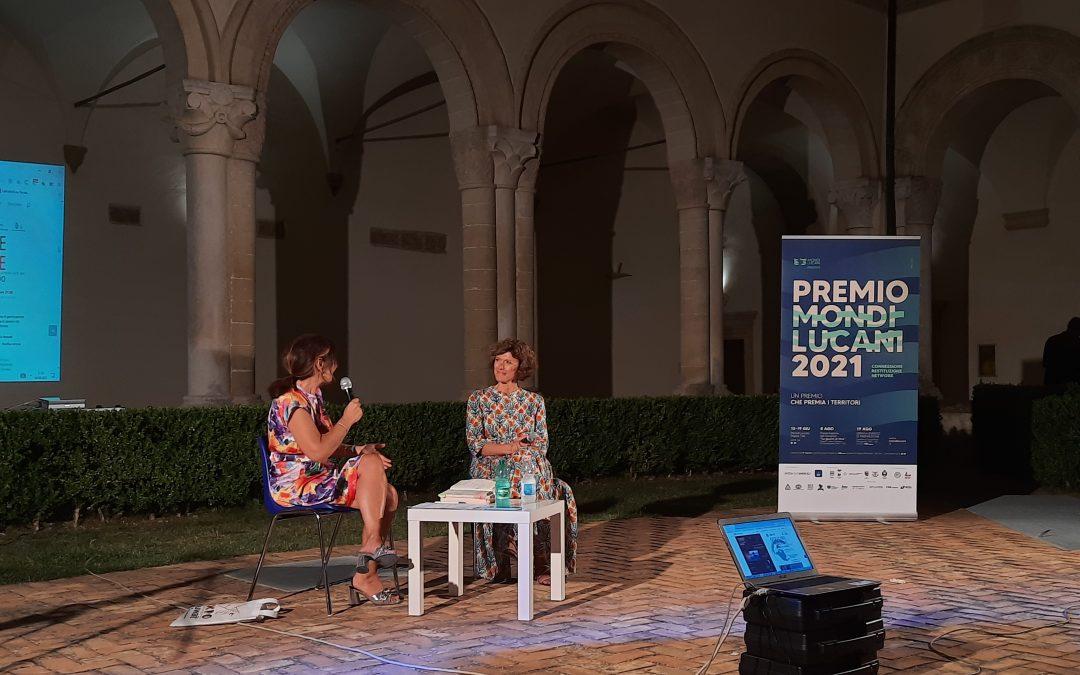 """Montescaglioso, Imma Vitelli ospite della Mondi Lucani per presentare il suo romanzo d'esordio """"La guerra di Nina"""". Il video"""
